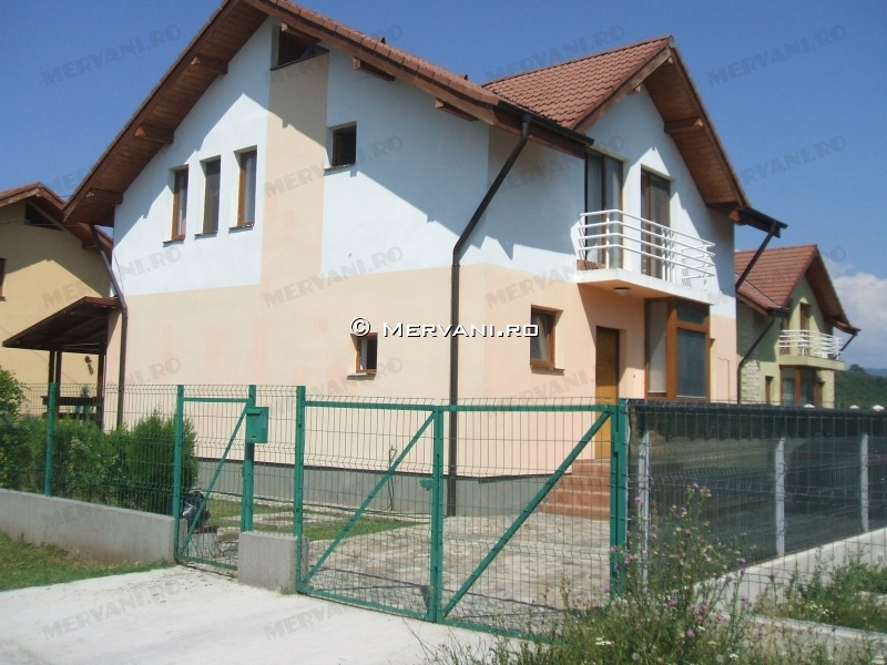 Casa de Inchiriat in Campina, 850 €