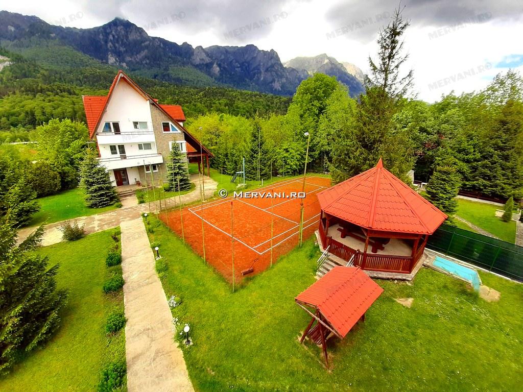 Spatiu Turistic de Vanzare in Busteni, 833.000 €
