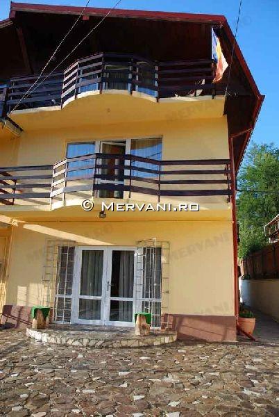 Vila de Inchiriat in Predeal, 1.000 €